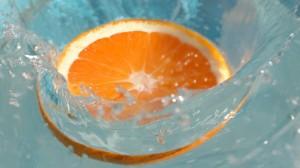 33-apelsin-makro-oboi-1366x768
